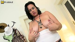 Sexy mother with hungry vagina