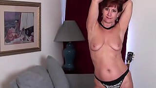 Amerikaner Moden Mor Stripper først og spiller med hendes legetøj